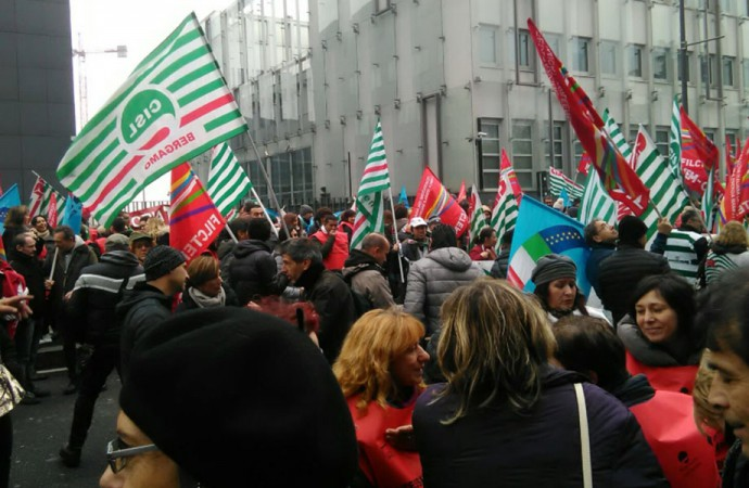 Tessile, lo sciopero arriva a Pitti Uomo