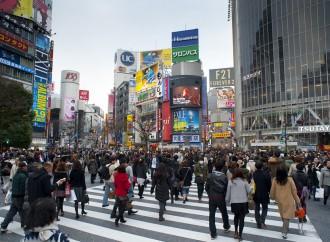 I giapponesi comprano più abiti