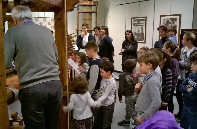 Como, il Museo della Seta si riempie di colori