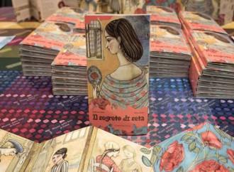 Il segreto di seta in un libro di parole e disegni