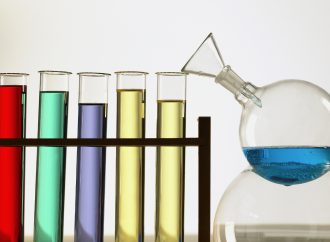Prato, la chimica tintoria va in cordata