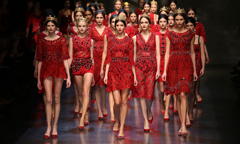 huge discount 76f8c 39a65 Moda femminile, terzo anno di fila col segno + - La Spola