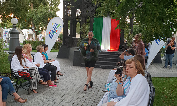 Passerella russa con applausi per la moda italiana