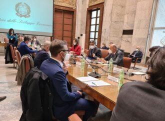 Anche il ministro Giorgetti al tavolo del tessile
